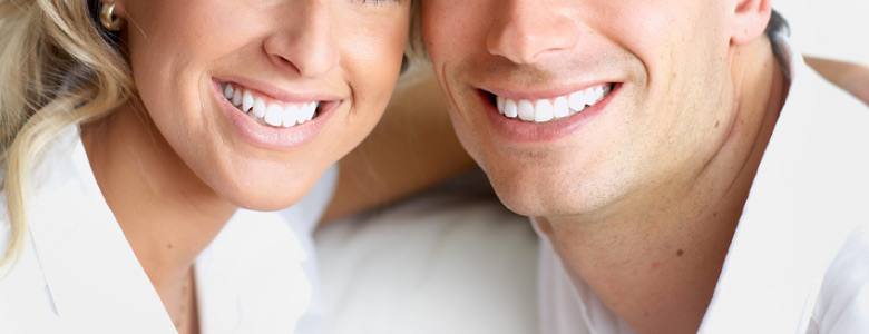WE SPECIALISE IN VENEERS TO IMPROVE YOUR SMILE